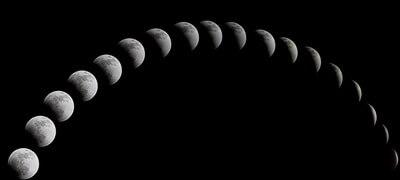 月 満ち欠け