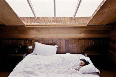瞑想と睡眠の違いは?