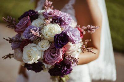 紫が好きな人の恋愛傾向女性の場合