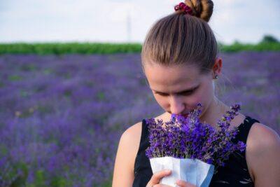 紫を選ぶ心理