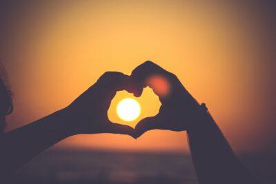 オレンジ色が好きな人の恋愛傾向